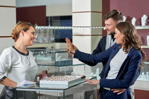Saphir Juwelier - erstklassiger Beratung und individuellem Service.