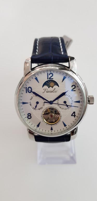 Uhr von Fieseler - Saphir Juwelier